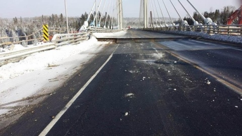 nipigon-river-bridge-fails-in-cold